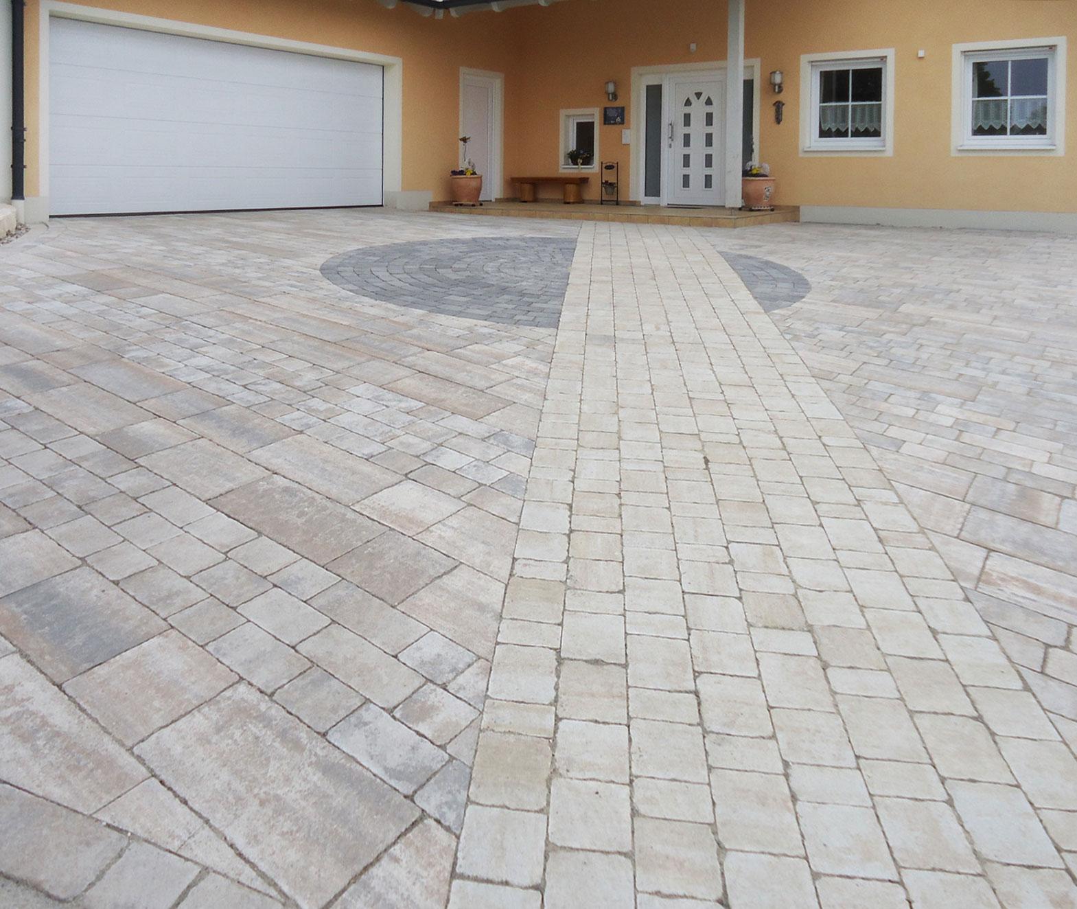 Exclusiver Zufahrtsbereich mit hochwertigen Betonsteinpflaster
