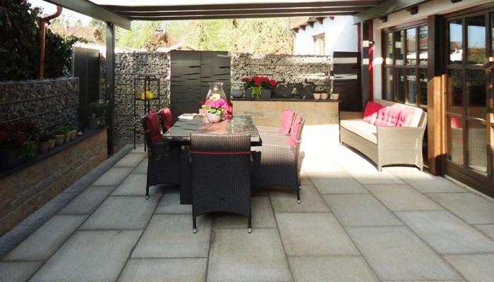 berdachter freisitz bruckmeier garten und landschaftsbau. Black Bedroom Furniture Sets. Home Design Ideas