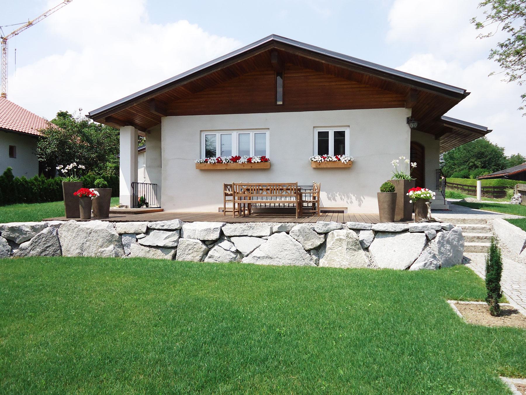 Natursteinmauer aus Granit