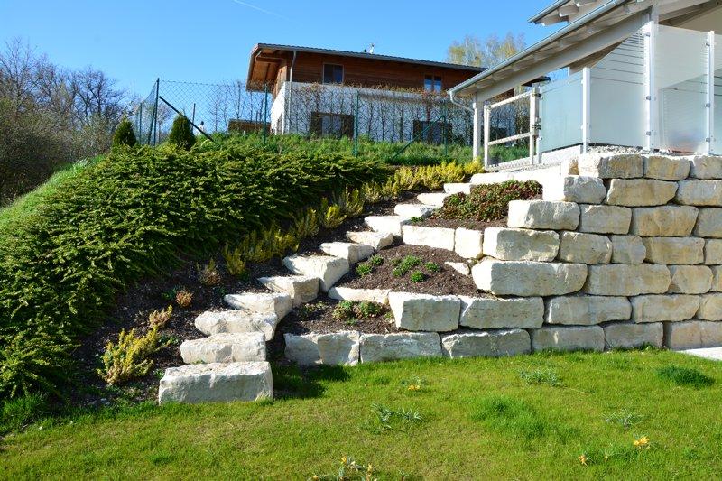 Treppe aus Jurakalkblöcke