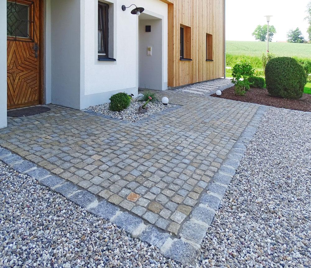 Eingangsbereich mit Granitkleinstein und Verfugung mit Epoxidharz